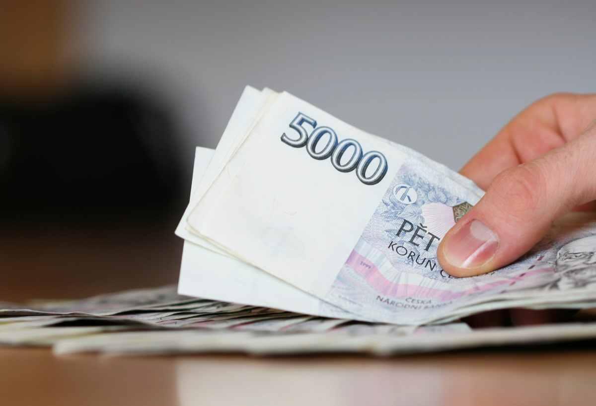Pokud jste si u této společnosti zatím peníze nepůjčovali, tak můžete dostat krátkodobý úvěr ve výši 8000 Kč úplně zadarmo.