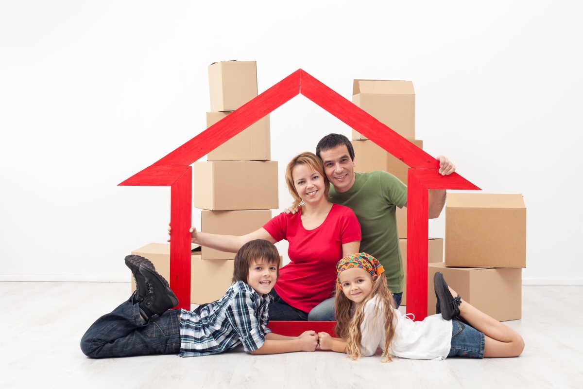 Příspěvek na bydlení je určen především těm, kdo mají nízké příjmy a/nebo vysoké náklady na bydlení. Přídavek je možné získat, pokud máte platnou nájemní smlouvu, nebo máte byt v osobním vlastnictví nebo na družstevní byt, a pokud zde máte trvalé bydliště.
